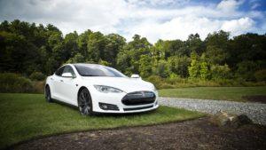 Auto Elettriche in Commercio: Autonomia e Prezzi